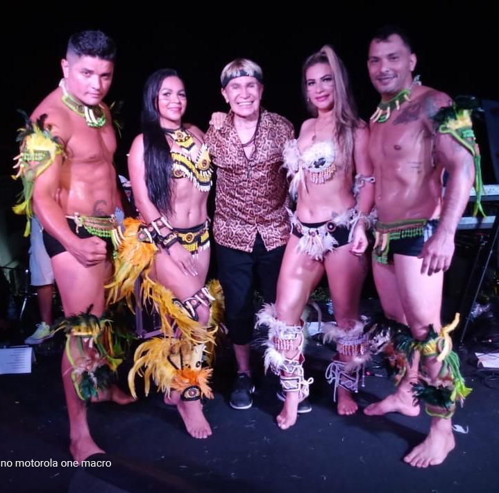 Dia do Comerciário é comemorado com show drive in da Banda Carrapicho em Manaus