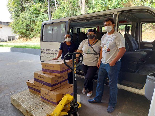 Mesa Brasil Sesc e Amazonas Shopping doam mais de 2 mil quilos de alimentos, nesta segunda (16)
