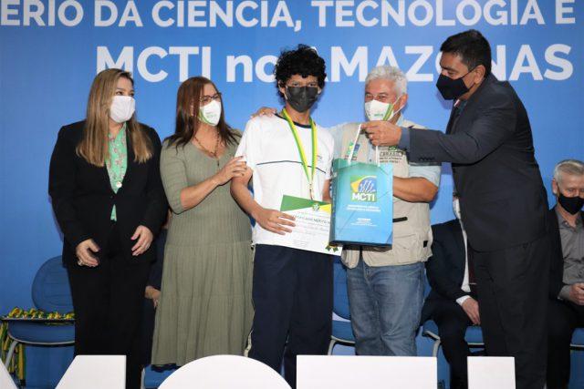 Alunos do Centro de Educação Sesc AM são agraciados em evento do Ministério da Ciência, Tecnologia e Inovações